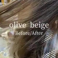 ハイライト オリーブアッシュ オリーブグレージュ ロング ヘアスタイルや髪型の写真・画像