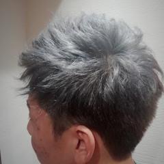 かりあげ シルバーアッシュ ツーブロック ストリート ヘアスタイルや髪型の写真・画像