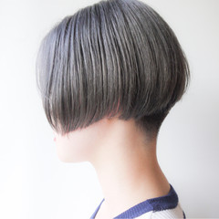 ショートボブ 刈り上げ 大人かわいい モード ヘアスタイルや髪型の写真・画像