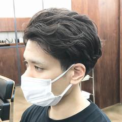 メンズヘア メンズパーマ ナチュラル ショートヘア ヘアスタイルや髪型の写真・画像