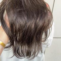 イルミナカラー フェミニン 大人かわいい オフィス ヘアスタイルや髪型の写真・画像