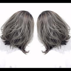 グレージュ グレーアッシュ アッシュグレー グラデーションカラー ヘアスタイルや髪型の写真・画像