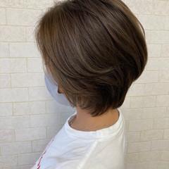 フェミニン ショート 3Dハイライト ヘアスタイルや髪型の写真・画像