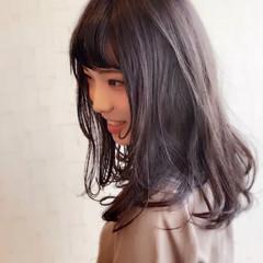大人ロング ロング レイヤーカット アッシュ ヘアスタイルや髪型の写真・画像