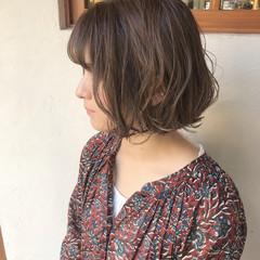 ガーリー ブランジュ 切りっぱなしボブ ハイライト ヘアスタイルや髪型の写真・画像