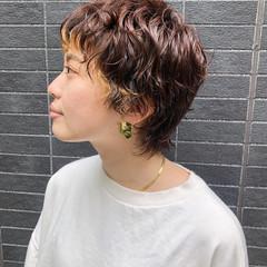 小顔ショート ウルフパーマヘア ウルフカット 無造作パーマ ヘアスタイルや髪型の写真・画像