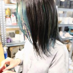 ミディアム ストリート ブリーチオンカラー ターコイズブルー ヘアスタイルや髪型の写真・画像