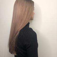 外国人 ロング ブロンド ハイトーンカラー ヘアスタイルや髪型の写真・画像