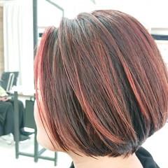 ピンク デザインカラー ストリート 簡単スタイリング ヘアスタイルや髪型の写真・画像
