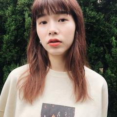 インナーカラー セミロング 簡単ヘアアレンジ パーマ ヘアスタイルや髪型の写真・画像