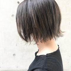 大人女子 インナーカラー ミニボブ ボブ ヘアスタイルや髪型の写真・画像