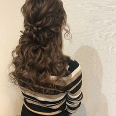 ねじり ハーフアップ ヘアアレンジ ヘアセット ヘアスタイルや髪型の写真・画像