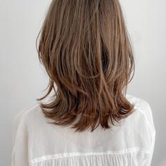 ミディアム ゆるふわパーマ ミルクティーベージュ デジタルパーマ ヘアスタイルや髪型の写真・画像