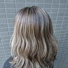ロング グラデーションカラー エレガント コントラストハイライト ヘアスタイルや髪型の写真・画像