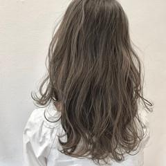 透明感カラー ロング 春スタイル グレージュ ヘアスタイルや髪型の写真・画像