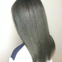 オリーブアッシュ オリーブ ナチュラル 切りっぱなしボブ ヘアスタイルや髪型の写真・画像