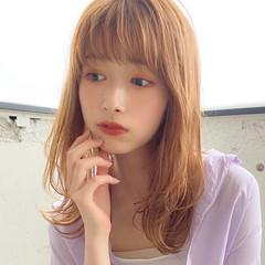 外ハネ 簡単スタイリング ミディアム 毛先パーマ ヘアスタイルや髪型の写真・画像