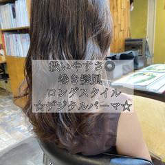 ウェーブヘア ゆるふわパーマ ロング デジタルパーマ ヘアスタイルや髪型の写真・画像