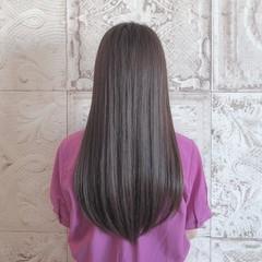 フェミニン ストレート ブリーチ無し ナチュラルベージュ ヘアスタイルや髪型の写真・画像