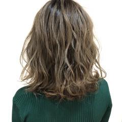 バレイヤージュ 外国人風カラー ミディアム ブリーチ ヘアスタイルや髪型の写真・画像
