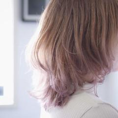 グラデーションカラー ナチュラル ミルクティーベージュ セミロング ヘアスタイルや髪型の写真・画像