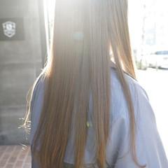 ナチュラル レイヤーロングヘア ロングヘアスタイル ベージュカラー ヘアスタイルや髪型の写真・画像