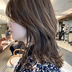 ブリーチ ミディアム ハイライト 大人ハイライト ヘアスタイルや髪型の写真・画像