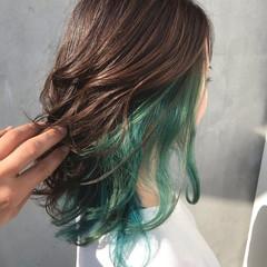 セミロング グリーン エメラルドグリーンカラー ストリート ヘアスタイルや髪型の写真・画像