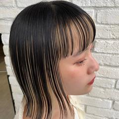 インナーカラーホワイト 切りっぱなしボブ インナーカラー ナチュラル ヘアスタイルや髪型の写真・画像