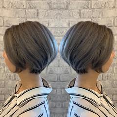 ローライト グレーアッシュ アッシュグレー ストリート ヘアスタイルや髪型の写真・画像