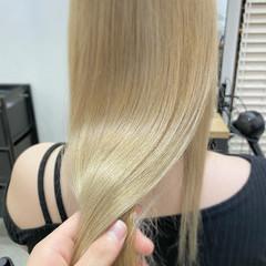 ナチュラル ブロンドカラー ロング ハイトーンカラー ヘアスタイルや髪型の写真・画像