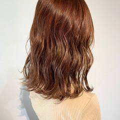 セミロング 3Dハイライト ピンクベージュ 大人ハイライト ヘアスタイルや髪型の写真・画像