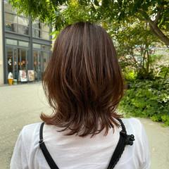 ミディアム ひし形シルエット インナーカラー ミディアムレイヤー ヘアスタイルや髪型の写真・画像