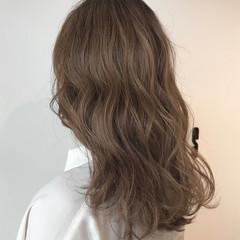 似合わせカット ミルクティーベージュ ヘアカット デート ヘアスタイルや髪型の写真・画像