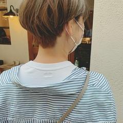 ボーイッシュ 前髪あり ミルクティーグレージュ モード ヘアスタイルや髪型の写真・画像