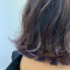 外ハネボブ インナーカラーシルバー インナーカラーパープル インナーカラー ヘアスタイルや髪型の写真・画像