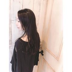 ゆる巻き パーマ 黒髪 アンニュイ ヘアスタイルや髪型の写真・画像