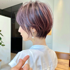 ショート インナーカラー ナチュラル アンニュイほつれヘア ヘアスタイルや髪型の写真・画像