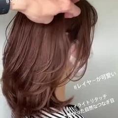 ピンクベージュ アッシュベージュ ナチュラル レイヤーカット ヘアスタイルや髪型の写真・画像