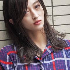 ミディアム 暗髪バイオレット ネイビー 暗髪 ヘアスタイルや髪型の写真・画像