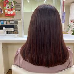 ピンク ラズベリーピンク ミディアム ワンカールスタイリング ヘアスタイルや髪型の写真・画像