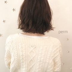 ウェーブ こなれ感 パーマ ミディアム ヘアスタイルや髪型の写真・画像