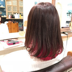 インナーカラー ミディアム 個性的 ストリート ヘアスタイルや髪型の写真・画像