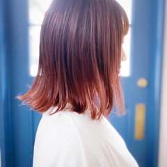 ベリーピンク ピンクアッシュ 切りっぱなしボブ ナチュラル ヘアスタイルや髪型の写真・画像