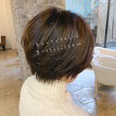 アッシュ ショートボブ オフィス ショート ヘアスタイルや髪型の写真・画像