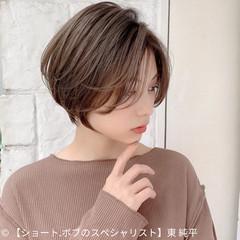 ナチュラル グレージュ ショート ショートヘア ヘアスタイルや髪型の写真・画像