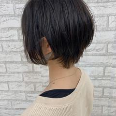 アディクシーカラー 耳掛けショート ショート ショートボブ ヘアスタイルや髪型の写真・画像