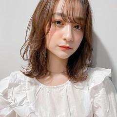 ミディアム ロブ ひし形シルエット ウルフカット ヘアスタイルや髪型の写真・画像