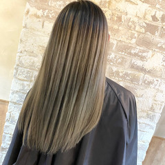ハイライト バレイヤージュ ロング ブリーチ ヘアスタイルや髪型の写真・画像