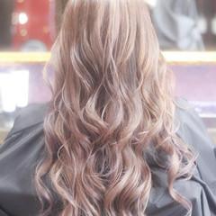 ピンクベージュ ブリーチ ピンク ダブルカラー ヘアスタイルや髪型の写真・画像